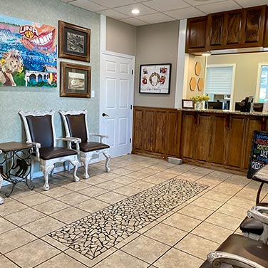 Welcoming lobby at the Singing River Dentistry office in Florence, AL